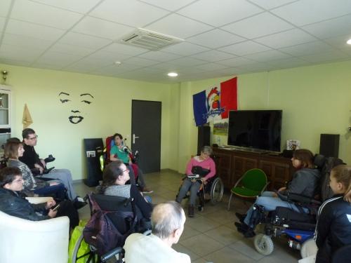 séance de sophrologie APF Gironde.JPG