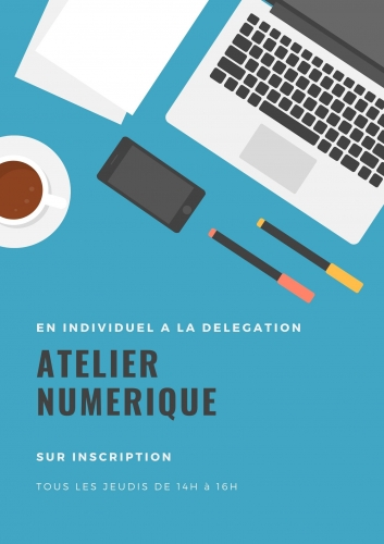 Bleu Bureau Table Félicitations Affiche.jpg